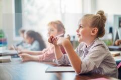 Schutzscheibe für Schulen, Trennscheibe Schulbank